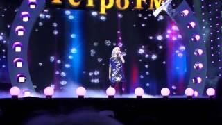 Буланова - Не плачь (live 2010) - Легенды (поет зал )