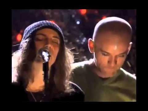 """Download EXCLU : R.E.M et Patti Smith : """"E-Bow the Letter"""" (Live in New York)"""
