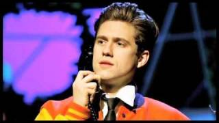"""Word of Mouth Review: """"Catch Me If You Can"""" on Broadway with Aaron Tveit & Norbert Leo Butz"""