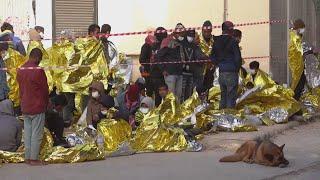 More than 2,000 migrants arrive on Italian island