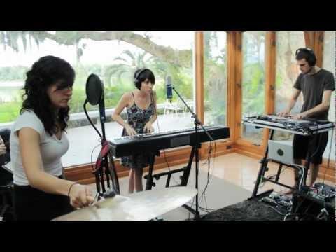 "Hundred Waters - ""Visitor"" | Grooveshark Presents: Gainesville Spotlight (Sunroom Sessions)"