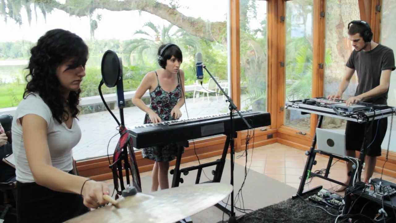 hundred-waters-visitor-grooveshark-presents-gainesville-spotlight-sunroom-sessions-grooveshark