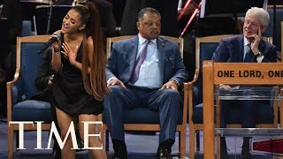 Baixar Ariana Grande Performs '(You Make Me Feel Like) A Natural Woman' At Aretha Franklin's Funeral | TIME