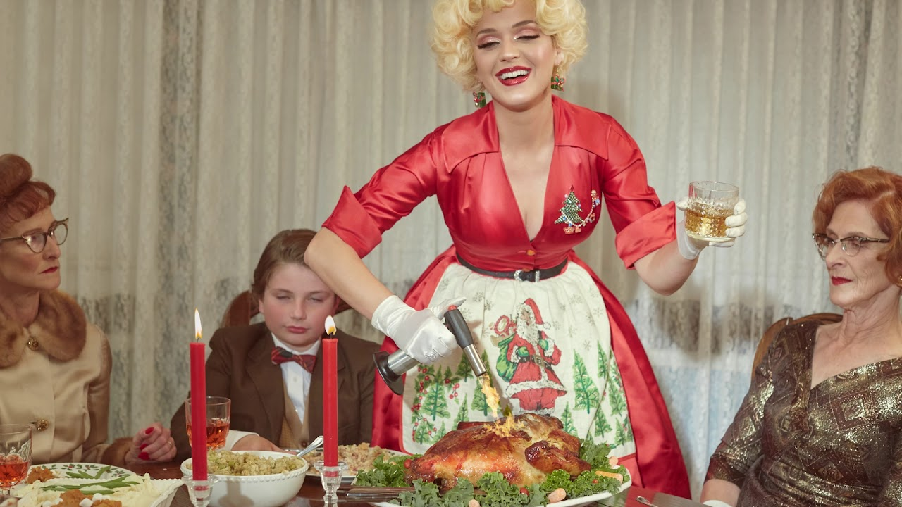 Katy Perry chills with Santa in 'Cozy Little Christmas' vide