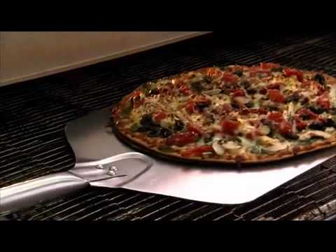 """Behind the Scenes of Domino's """"Behind the Pizza"""""""