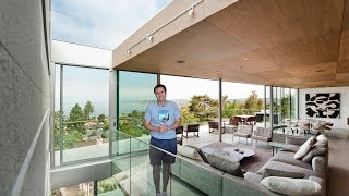 Here's a Tour of an Amazing Modern House Above the Ocean