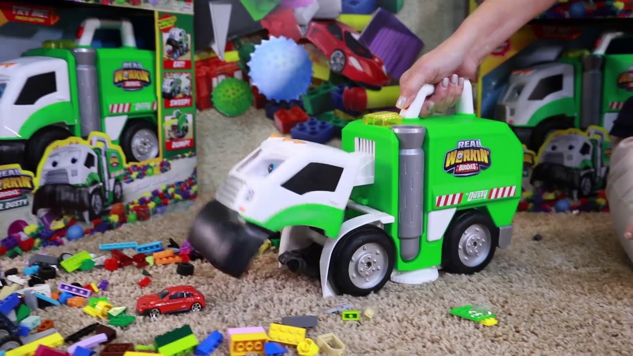 Jakks Unwrapped Featuring Clean Up Your Toys With Mr