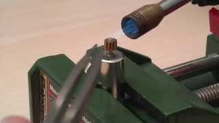 How to remove a metal gear/pinion from a micro motor shaft