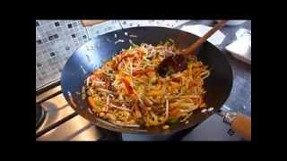 How To Make Stir Fry Noodles - Quick And Easy Recipe!
