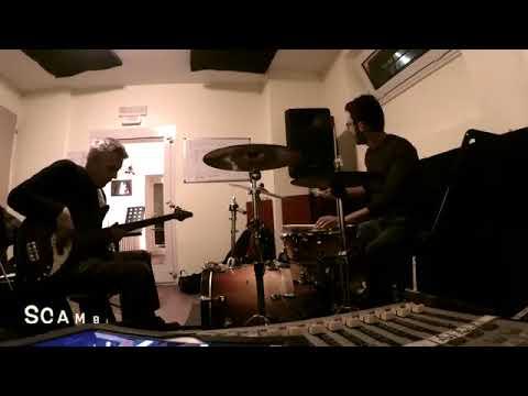 Antonio Maggi e Massimo Moriconi - Drum and Bass Improvisation on Blues