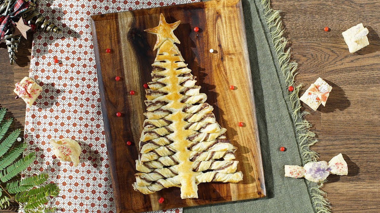 Nutella Christmas Tree.Nutella Pastry Christmas Tree