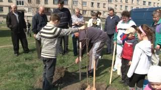 26 апреля 2015 г 9 м-н высадка деревьев г.Лозовая, Харьковская область(, 2015-04-28T16:13:54.000Z)