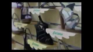 видео Как выбрать правильную, удобную детскую обувь?