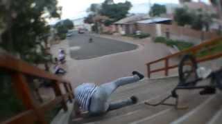 Viral Video UK: Hilarious BMX rail fail!