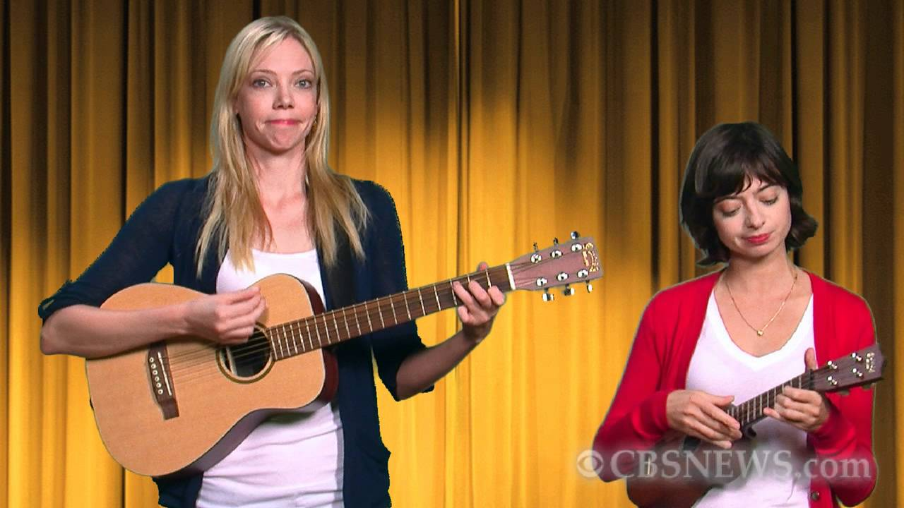 Garfunkel And Oates Perform Pregnant Women Are Smug