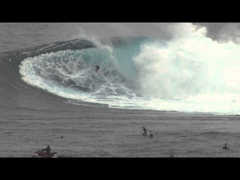 Nic Vaughn Paddles @ Jaws Peahi Maui