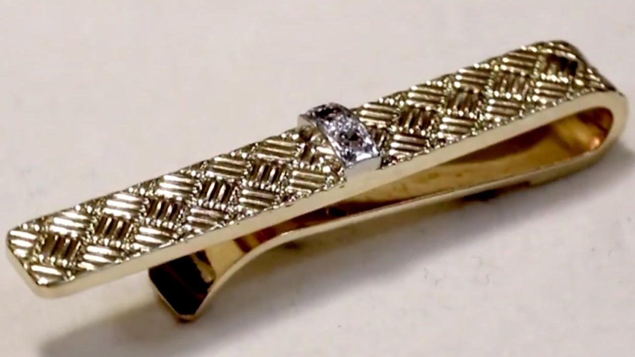 0 05 Ct Diamond and 18 Ct Yellow Gold Tiffany Tie Clip Vintage