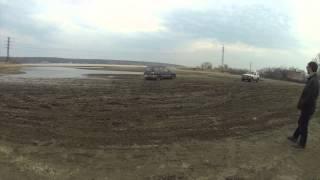 Джип покатушки на мелкой луже!(, 2014-04-26T23:26:28.000Z)