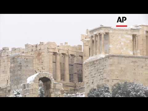 Heavy snow closes schools in Greek capital