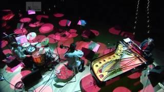 Música de Charly García: Cómo mata el viento norte Aura! Trío | La Ballena Azul