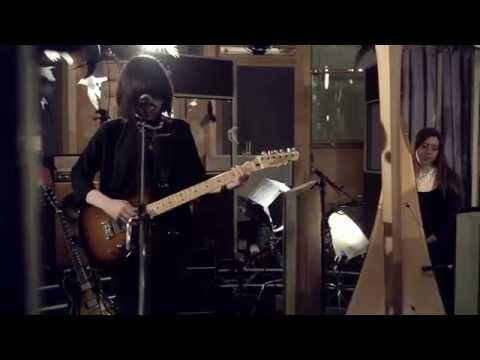 """Daughter - """"Tomorrow"""" (Live @ Air Studios)"""