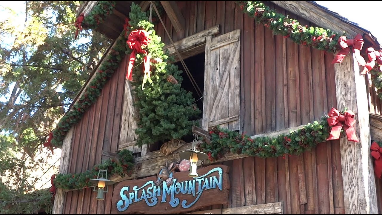 critter country christmas decorations at disneyland 2015 - Country Christmas Decorations