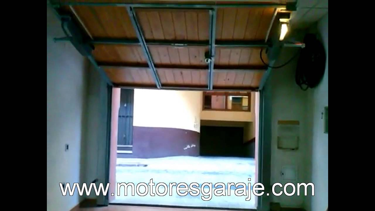 Motor puerta basculante pesada grande youtube for Basculante youtube