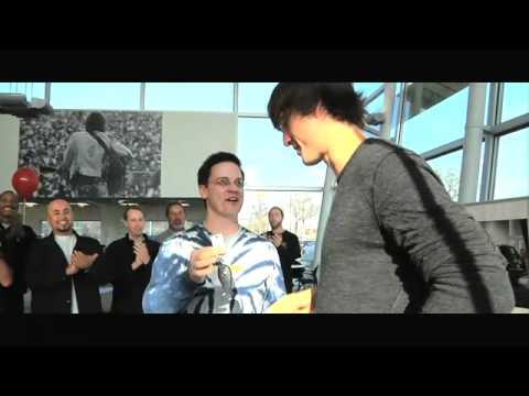 Lewisville Volkswagen surprises recording arts, Walker Hayes, with a new Routan