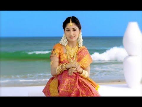 ARRS Silks Ad feat Yami Gautam & Divya Parameshwar