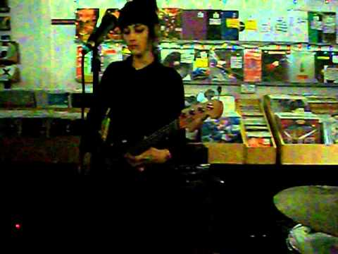 "The Dum Dum Girls - ""Season In Hell"" live at Other Music, October 1, 2012"