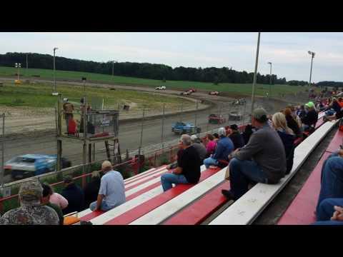 Gary vandermark I-96 speedway  7/29/16 heat race.