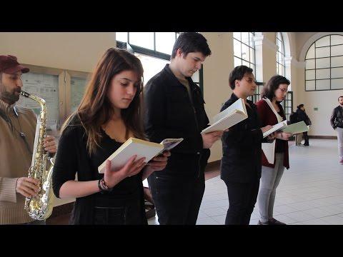 """Παγκόσμια μέρα βιβλίου 2015 - Διαβάζοντας Έλληνες ποιητές στο σταθμό μετρό """"Μοναστηράκι"""""""