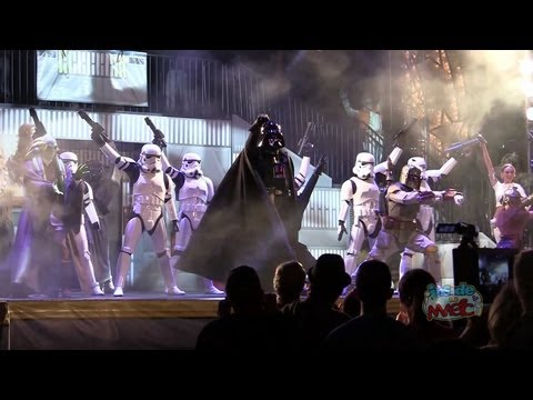 Dance-Off With the Star Wars Stars 2013 finale medley with Gangnam Style, Taylor Swift