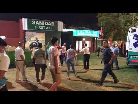 Pelea con cuchillo. Un espectador hirió a un policía en el Festival de Jesús María