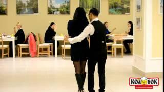 Ведущий Николай Никоноров дает уроки танцев