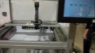 CoDeSys-SoftMotion-XYZ-pöytä(SKS Controlin SoftMotion liikkenohjaus esittely- ja koulutuslaite. Kaikki laitteiston komponentit ja ohjaustuotteet ovat SKS Groupin yritysten edustamia ja ..., 2011-11-01T09:55:50.000Z)