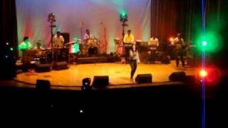 Shreya Ghoshal Live Singing Agar Tum Mil Jao - Zeher - London 2010