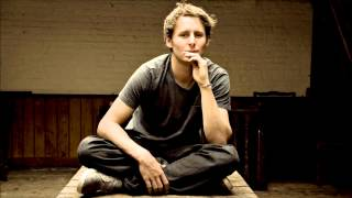 Ben Howard - Black Flies (xfm live session)