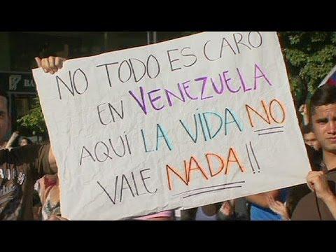 Venezuela: President Maduro issues arrest warrant for opposition leader Leopoldo Lopez