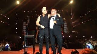 Robbie Williams & Pete Conway - Better Man (live at Bucharest - Let Me Entertain You Tour 2015)