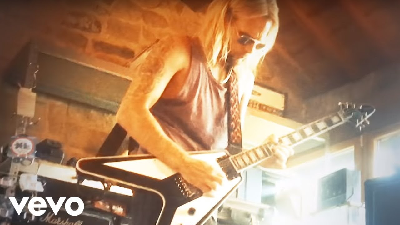 Judas Priest - No Surrender  Official Video