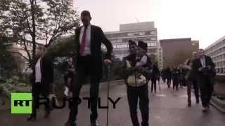 UK: World's TALLEST and SHORTEST men meet for Guinness World Record Day