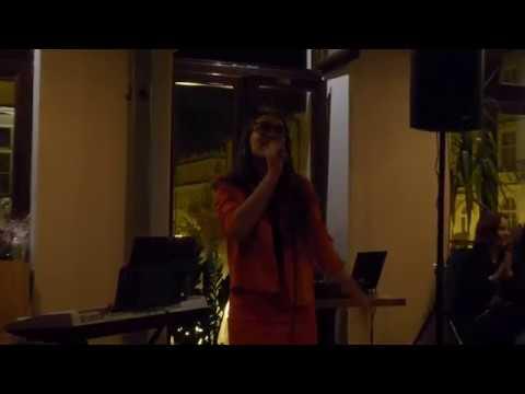Wiktoria Krakowska - Powiedz Stary Z Rep. Czerwonych Gitar