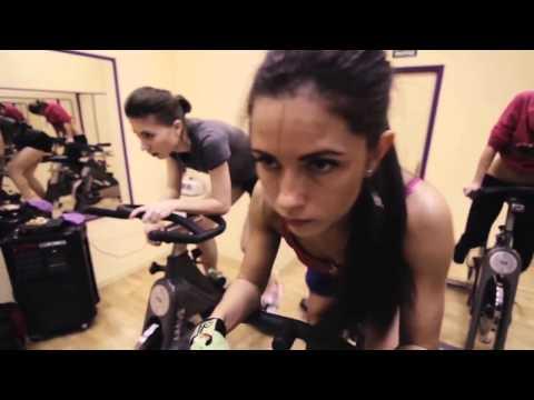 Мотивирующее видео для девушек. Занимайтесь спортом !