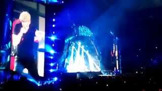 AC/DC - Shoot to Thrill live Arnhem 05-05-2015, amazing audience!