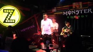 CHỈ CÓ THỂ LÀ TÌNH YÊU - Quang Ninh ft MINIONS BAND