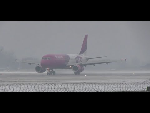 Airbus Landing at snowy Kiev Zhuliany HD  Киев Two camera view