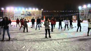 видео Ледовый каток-парк