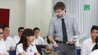 VTC14 | Người nước ngoài dạy ngoại ngữ tại Việt Nam phải có bằng đại học trở lên