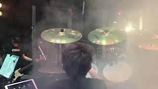 Pampeano tocó la batería en el recital de La Beriso